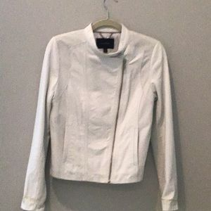BANANA REPUBLIC CLASSIC WHITE LEATHER JACKET